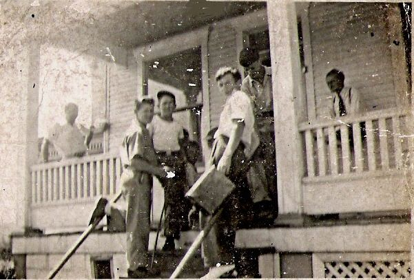 Group.on.Pat.mohan.porch.jpg